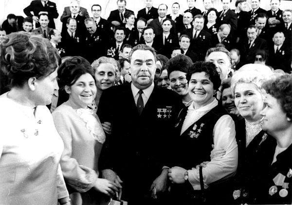 brejnev_women