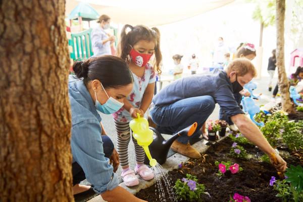 Герцоги Сассекские посетили дошкольный образовательный центр