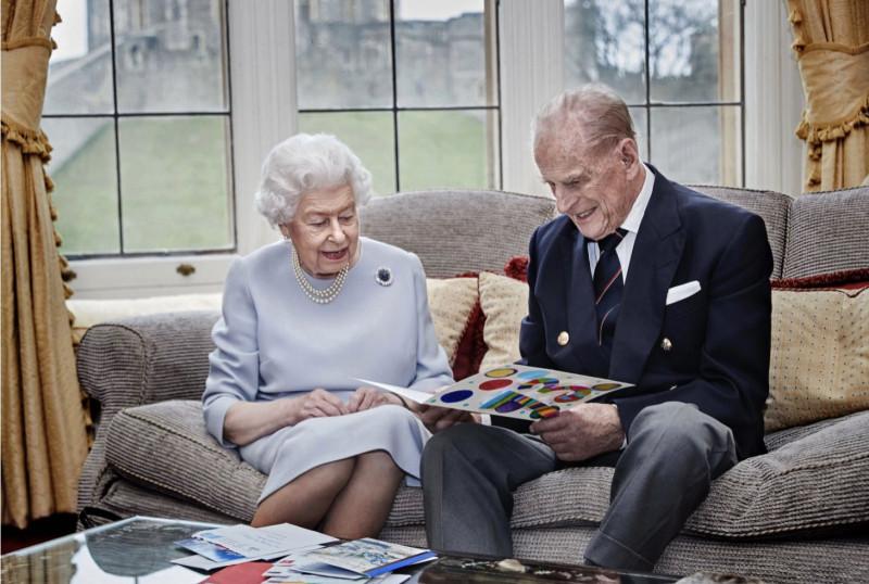 Елизавета и Филипп отмечают 73-ю годовщину свадьбы