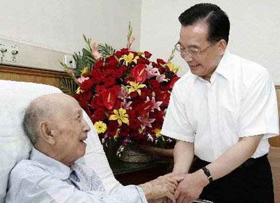 Цянь Сюэсэнь и Вэнь Цзябао
