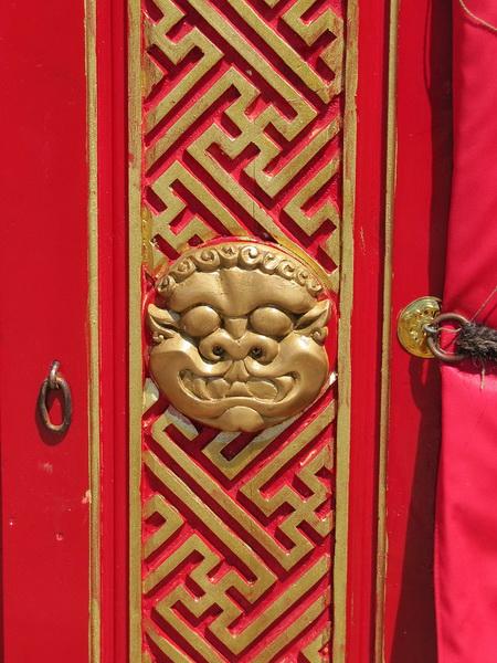 Монгольська юрта (двері)
