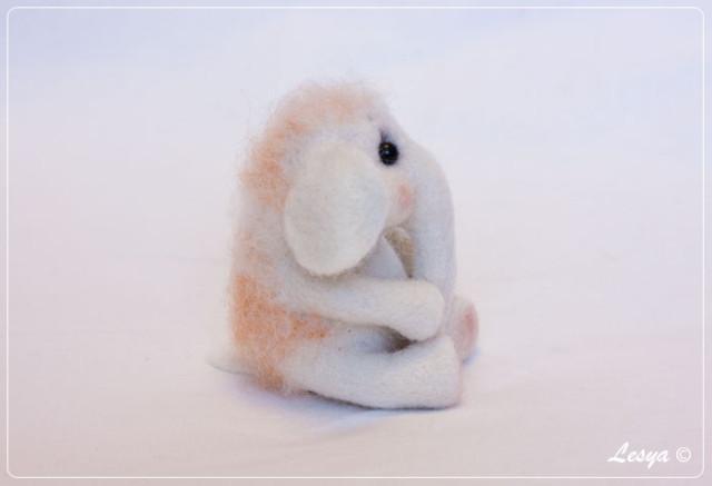 мамонтёнок из шерсти