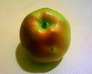 Яблоко с хвостиком на боку - Джей 20 окт 2018