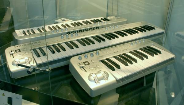 behringer-keysb