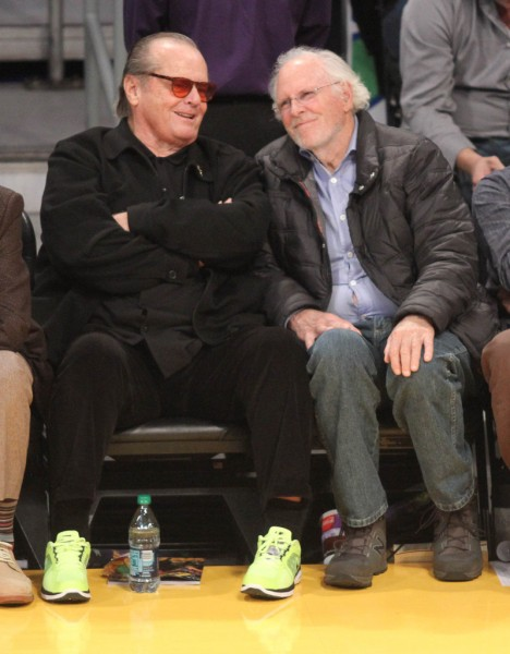 Celebrities-Lakers-Game-January-2013 (2)