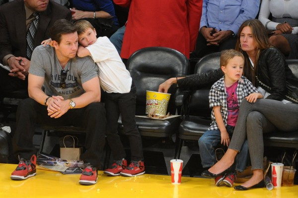 Celebrities-Lakers-Game-January-2013 (1)