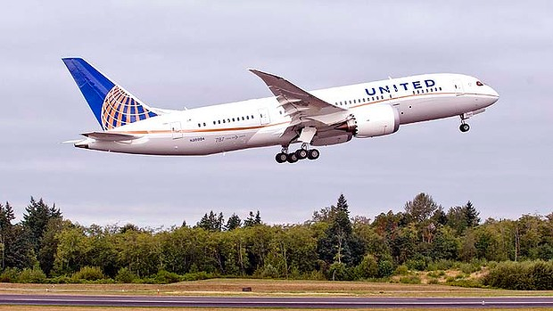 United-Airlines-Dreamliner