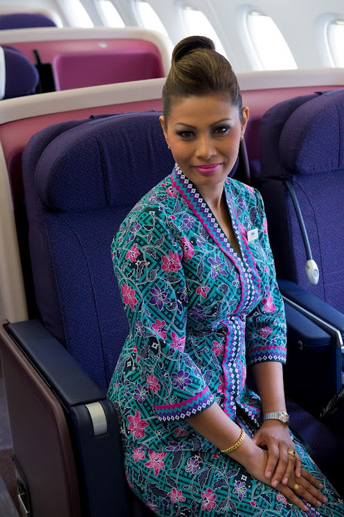 Malaysia Airlines Cabin Crew in A380_3
