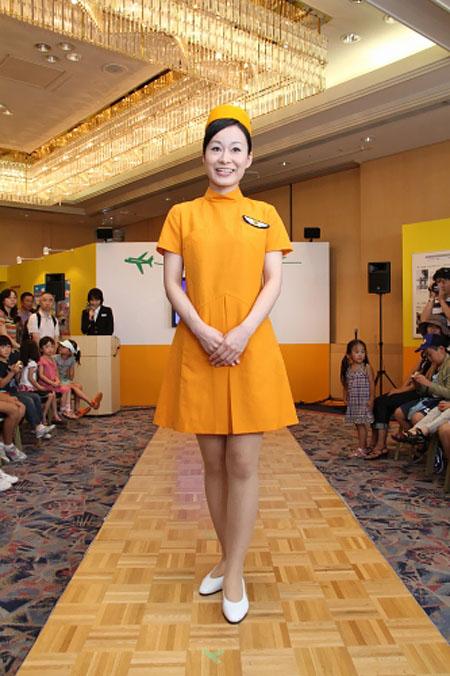 JAL uniform show 2011 - 1971-3
