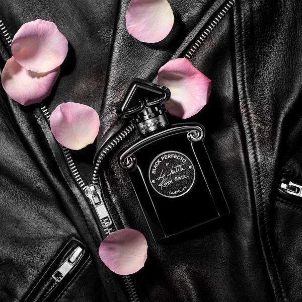 63b9dfa0905 ... La Petite Robe Noire. Легендарный флакон с «перевёрнутым сердцем»  нового аромата Guerlain полностью меняет образ