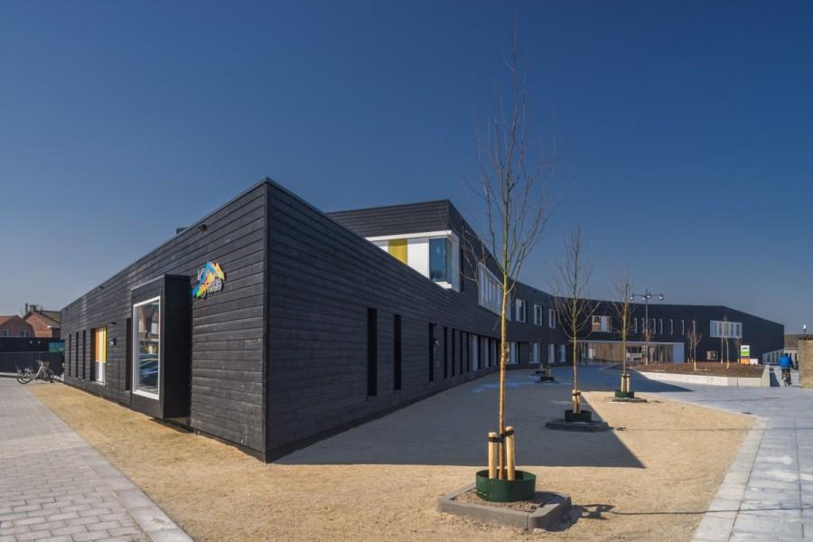 Школа в Сас-ван-Генте