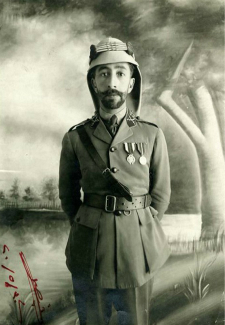 фейсал King_Faisal_I_of_Syria_in_July_1920