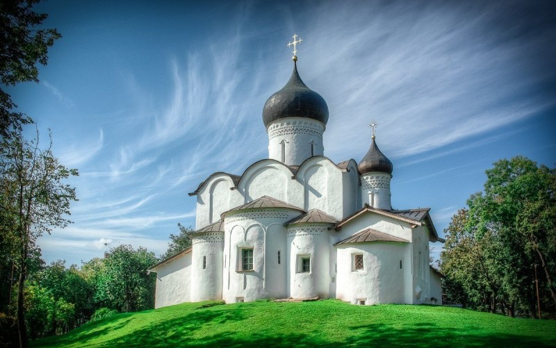 Церковь Василия на Горке ( XV-XVI вв.), внешний облик, архитектор-реставратор В. А. Попов.