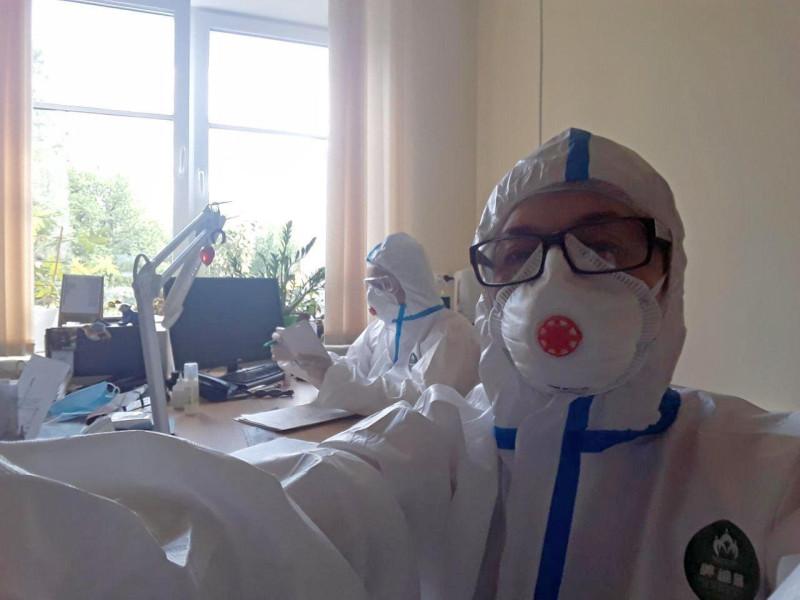 Жанна Шлосберг на рабочем месте, апрель 2020 года.