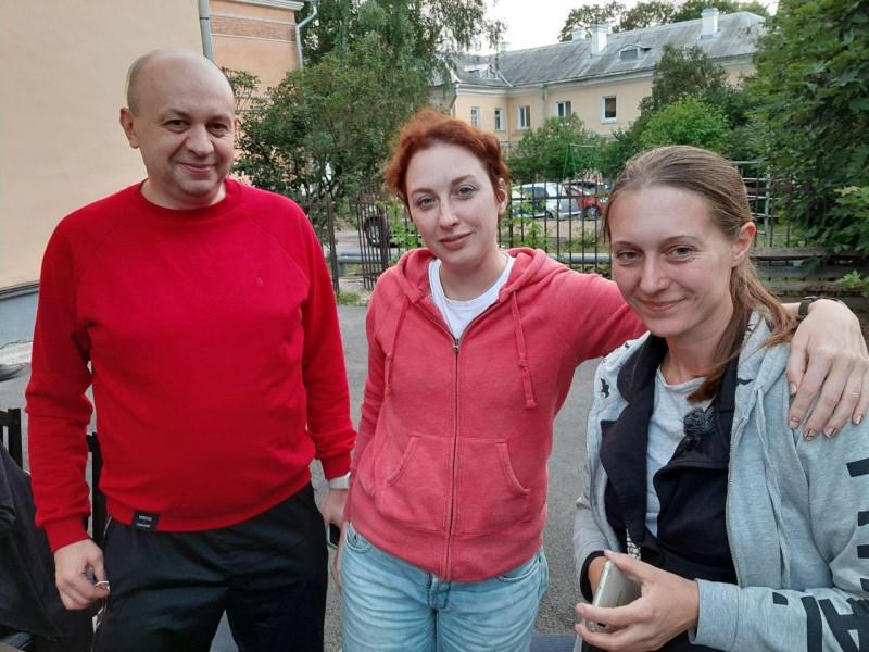 Сергей Смирнов, Татьяна Фельгенгауэр, Светлана Прокопьева. Псков, 5 июля 2020 года.