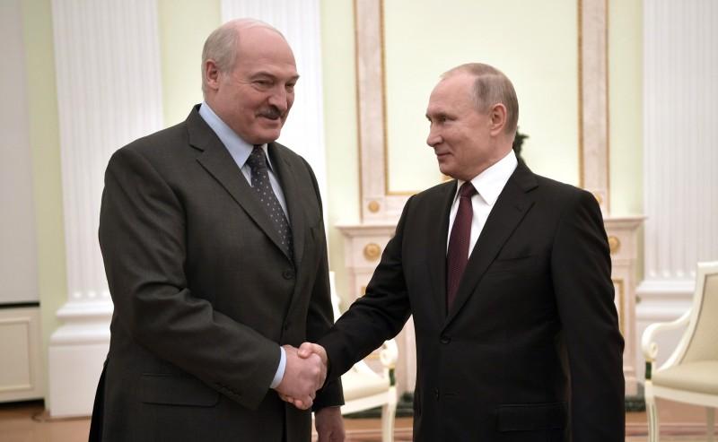 Лукашенко является ориентиром для Путина, а не Путин для Лукашенко.