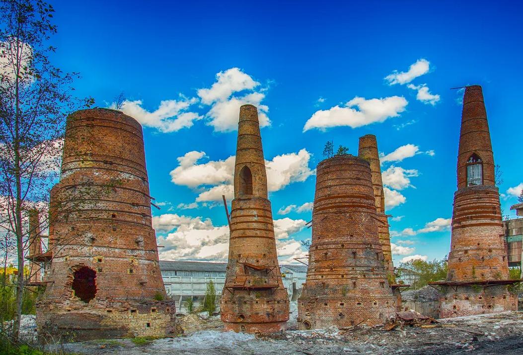 Рускеальский мраморный завод. Печи для обжига строительной извести. Фото из интернета.