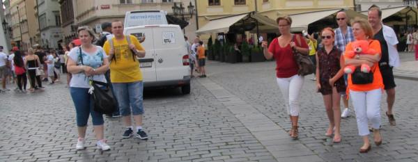 Praha-people2016-7-center IMG_1176