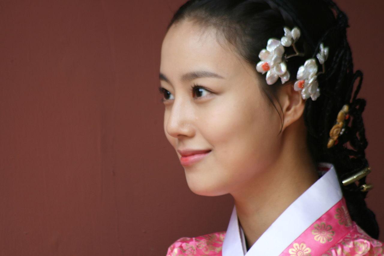 Moon_Chae-won_at_The_Princess'_Man_poster_shooting_151