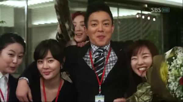 01 Korea - people - Ofisn VLC_2017-12-2 (2)