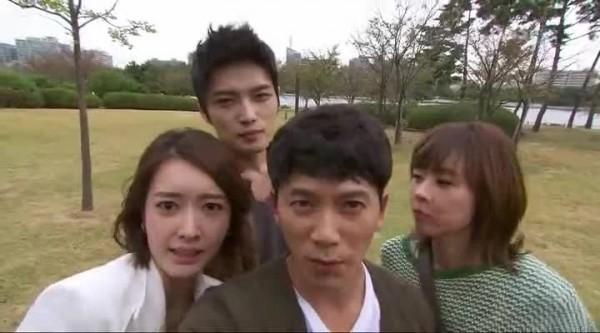 Korea - People - Zashit Bossa06h27m00s84