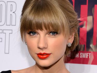 taylor-swift-red-target-gi