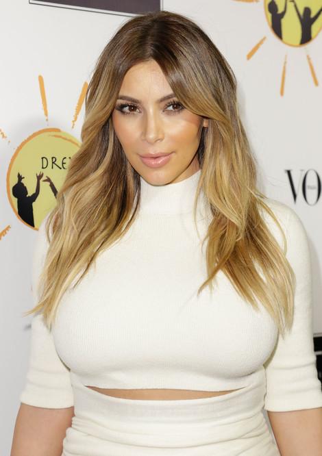 Kim Kardashian2-20131025-2