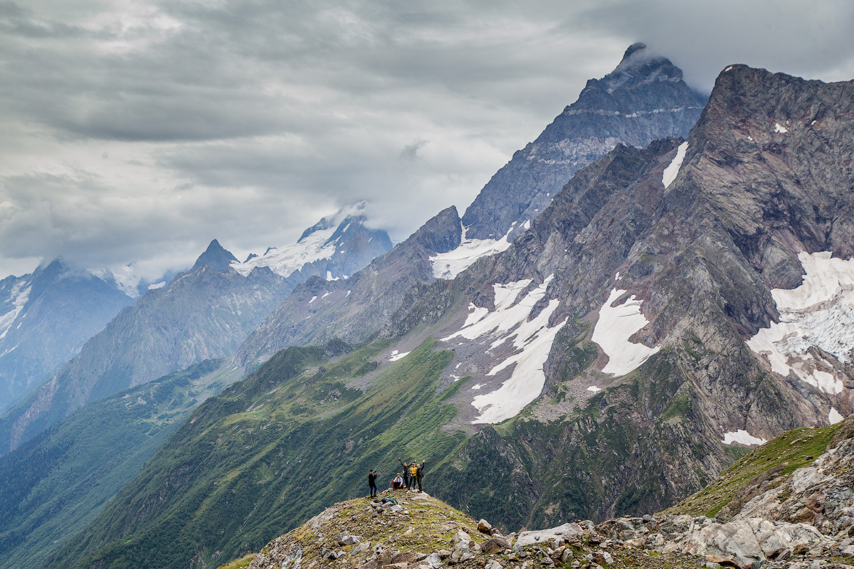 Турье озеро, ледник Двуязычный - маленький ПВД в в больших горах.