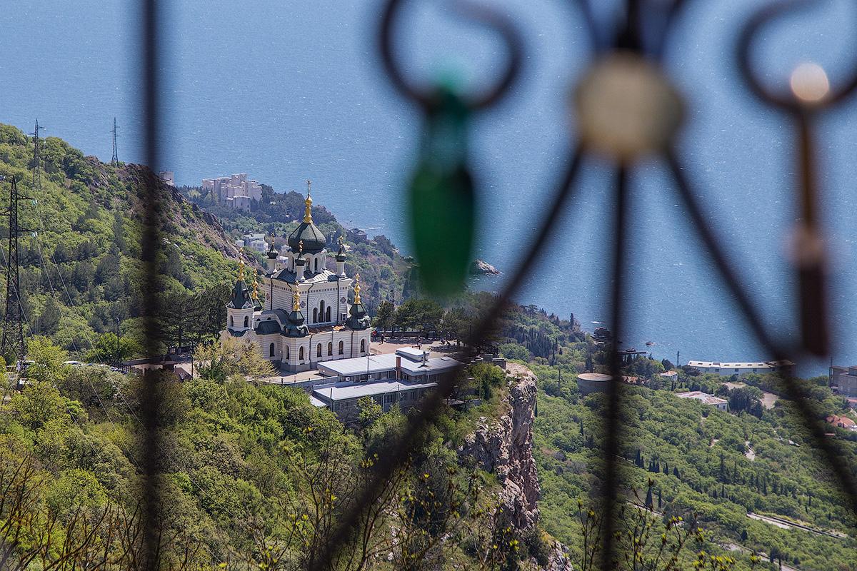 Крымские красоты под замком.