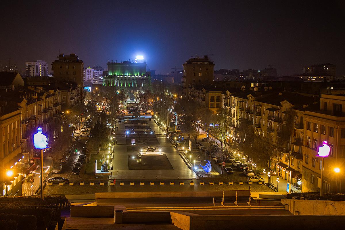 Ереван в ночи.