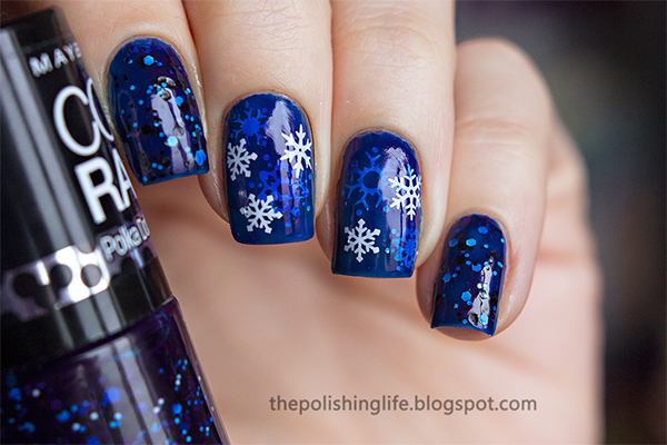 Маникюр с синим цветом новогодний