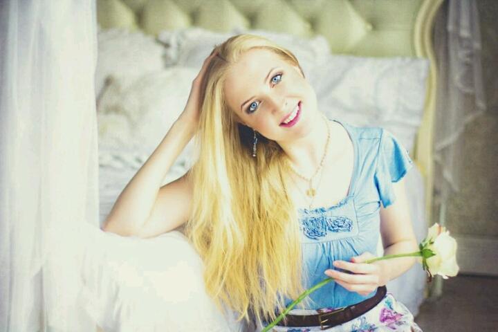 Блонда в жопу в ряэани фото 277-258