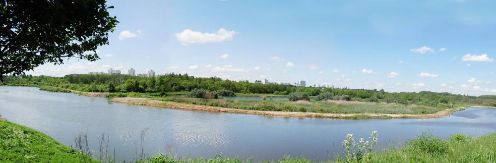 Панорама - вид на Свислочь и парк, дома в р-не ул. Маяковского