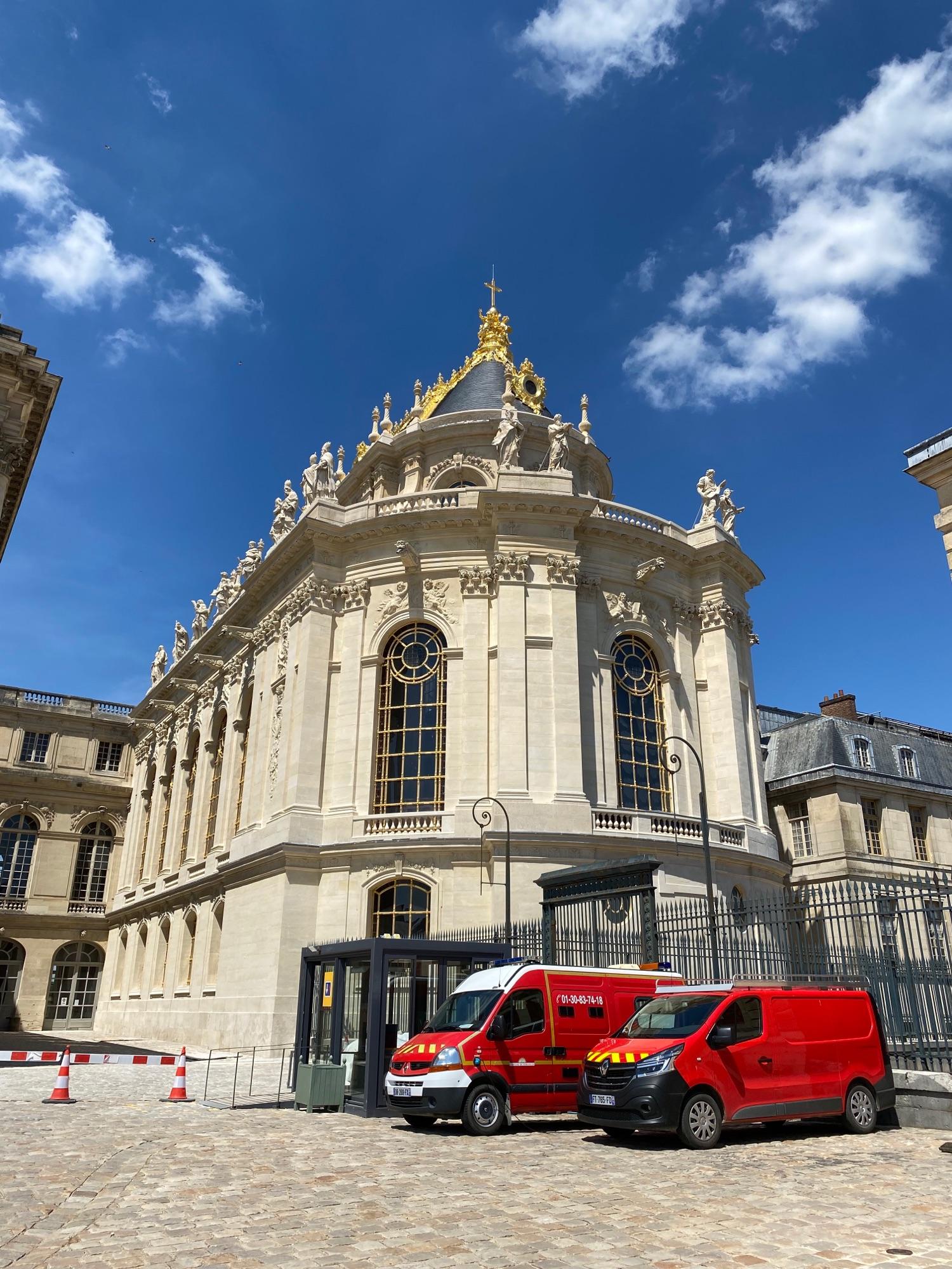 Позолотили долгострой в Версале. А билетов в шато на уик-энд нет совсем, на три недели вперёд.