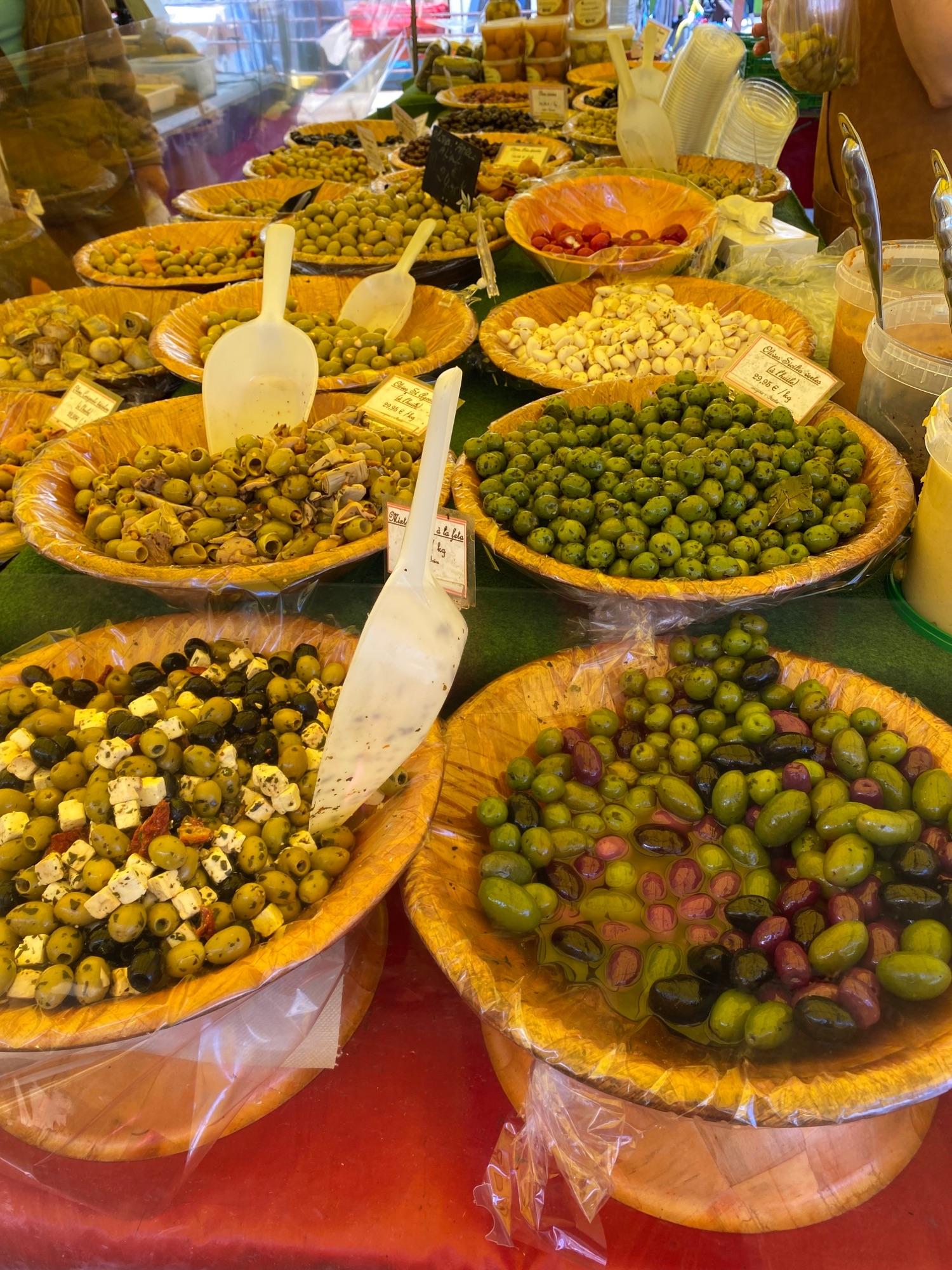 И оливки (от жадности немного не в фокусе)
