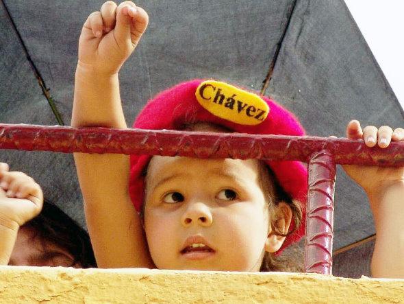 2004nena_chavista590