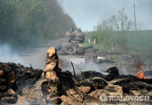 2014.04.24 - Укроармия отходит от Славянска