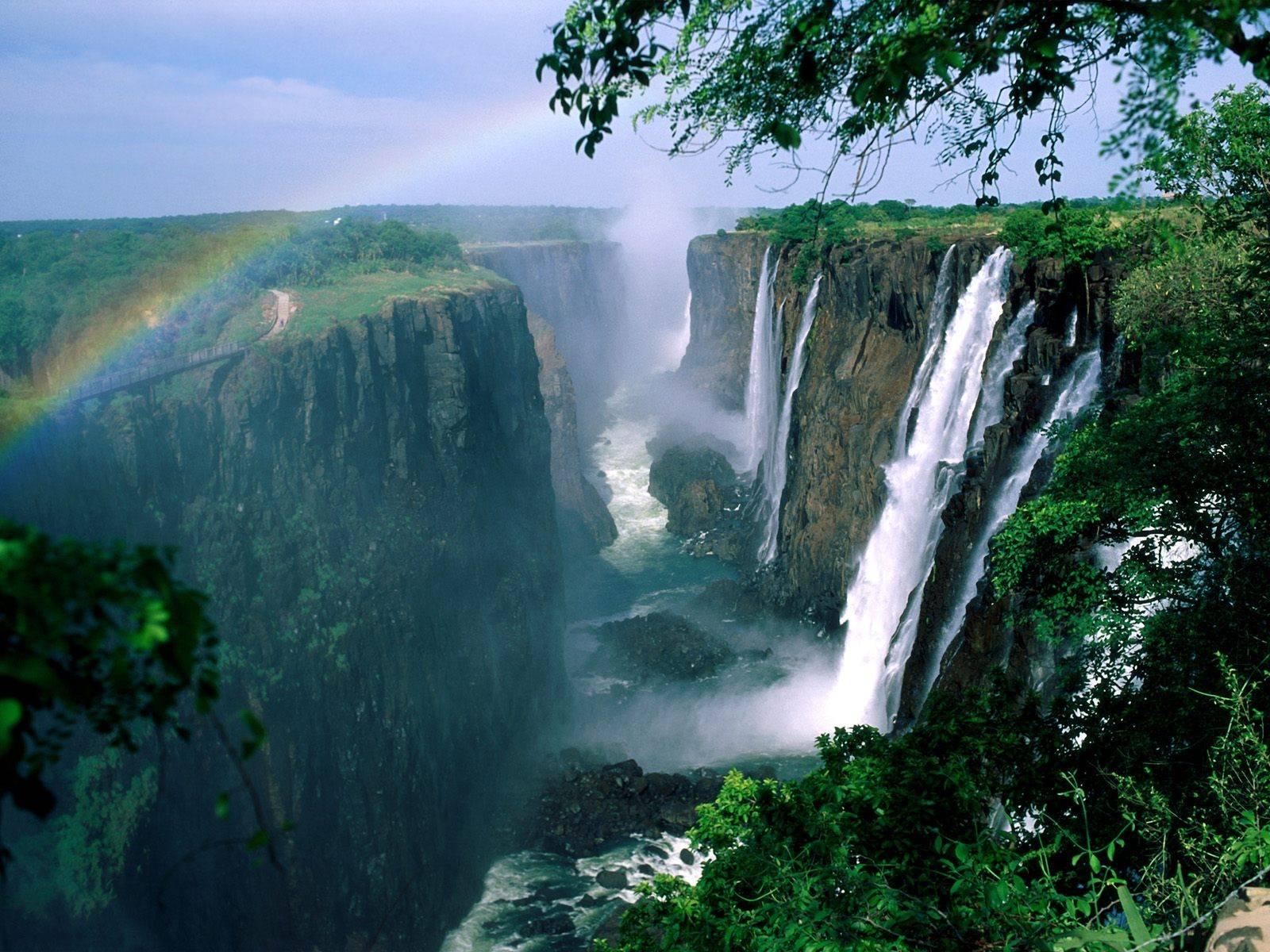 Rainbow-Victoria-Falls-Zambia-Zimbabwe