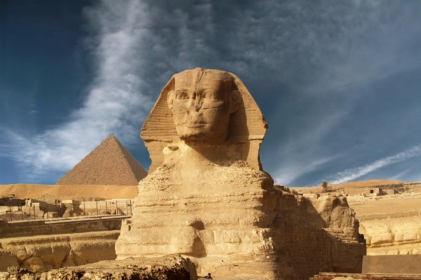 Egypt%20-%20den%20mystiske%20Sfinxen%20foran%20Ghiza-pyramidene