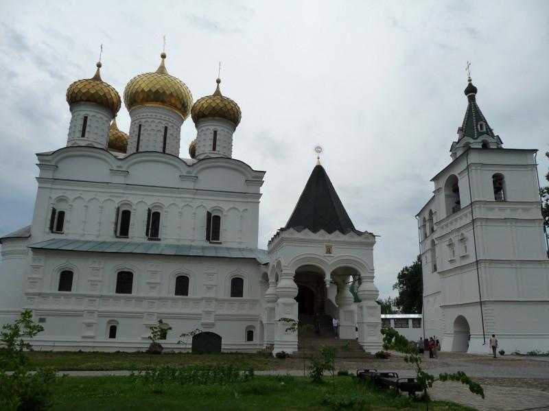 Кострома, Ипатьевский монастырь. Звонница, 1604-1646 гг.