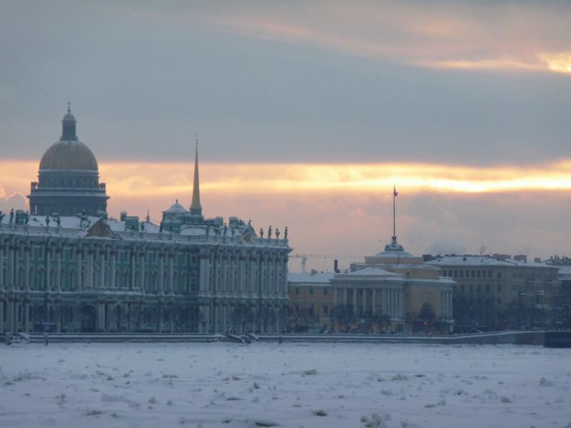 Закат над Адмиралтейством.jpg