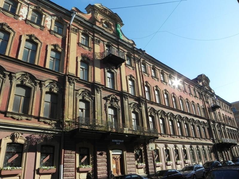 Санкт-Петербург. Галерная ул., д. 20, 1860 г. Дом, двор, парадная.