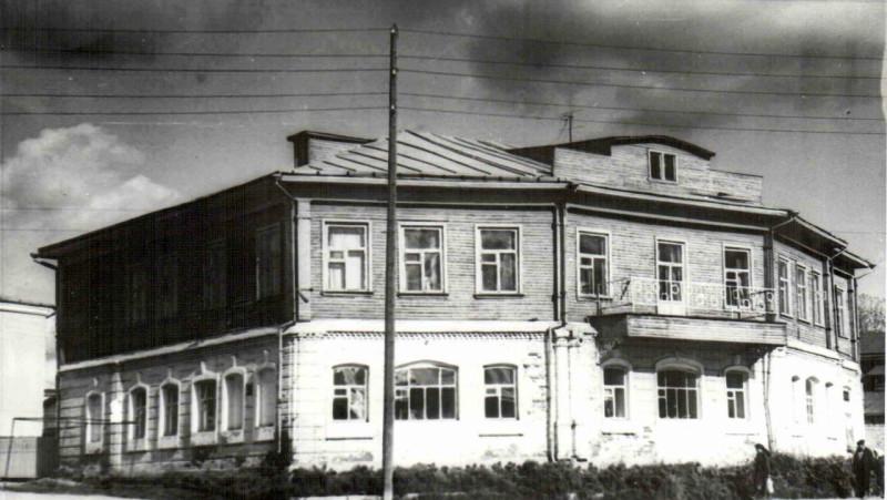 Дом Киренкова - конец 1980-х-К.jpg