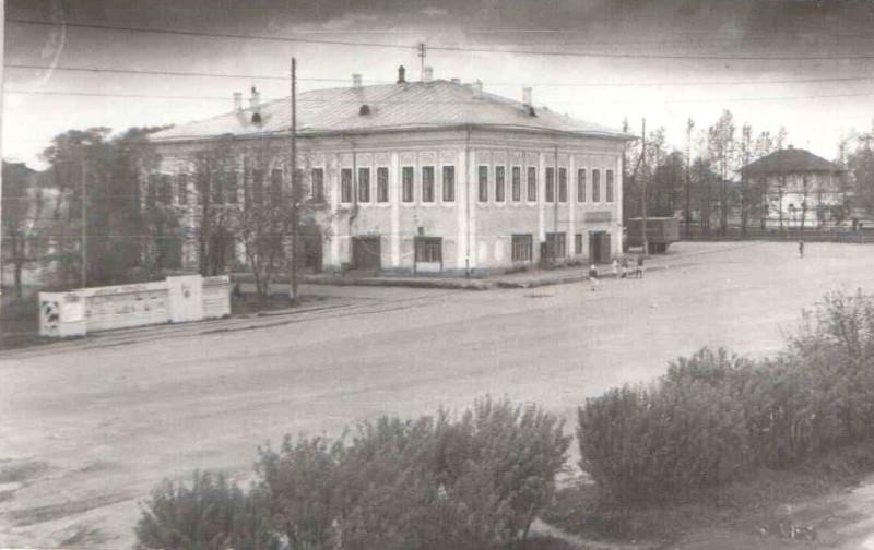 Дом Пановых1980-К.jpg