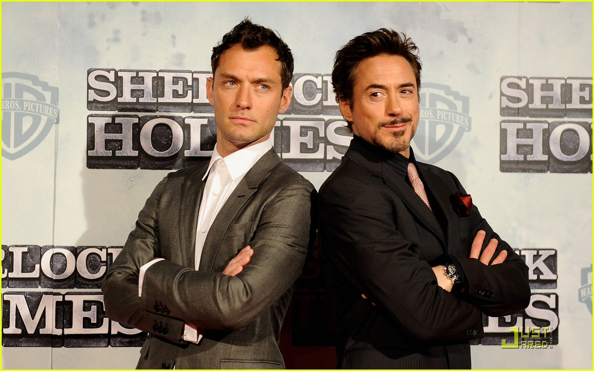 jude-law-robert-downey-jr-make-it-to-madrid-05
