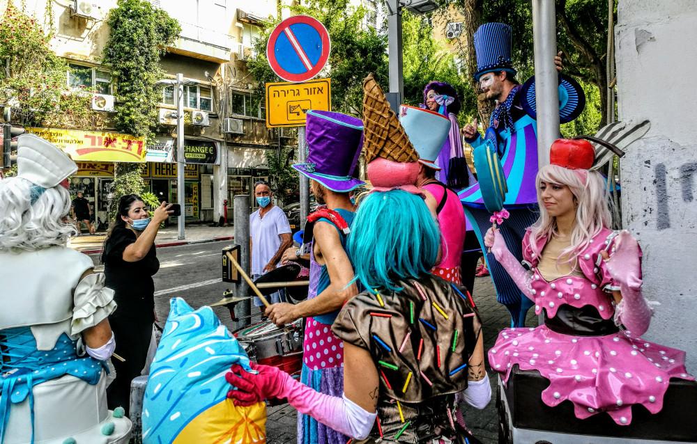 На улицах Гиватаима