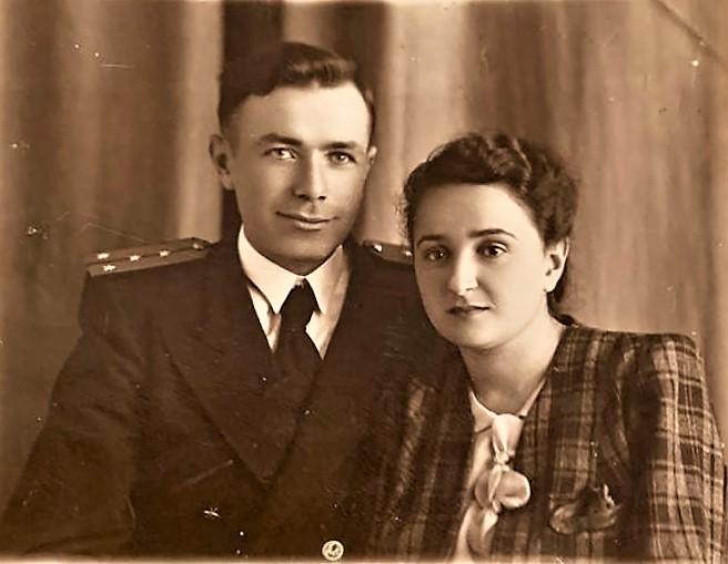 Мой дядя Иосиф Пекер  и его жена Анна.