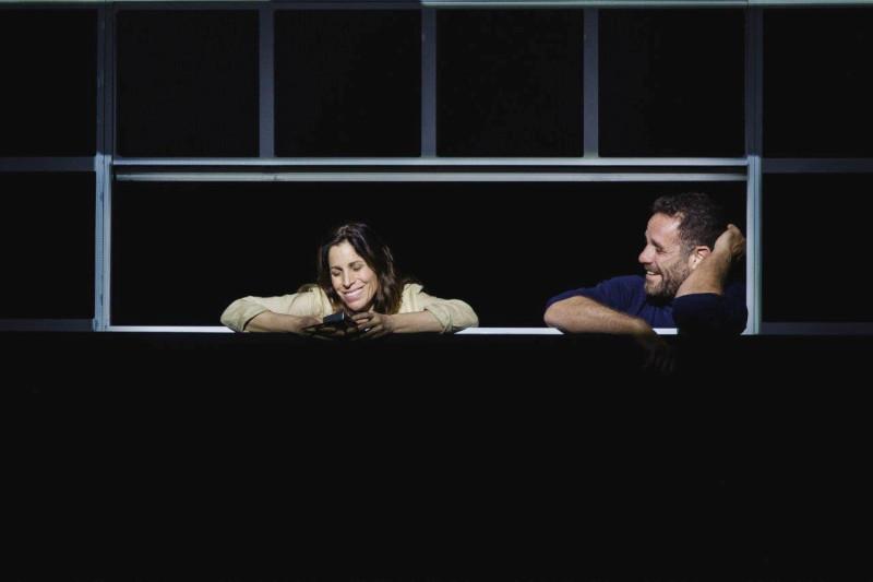 Сцена из спектакля «Новости часа». Фотограф Иссайя Файнберг