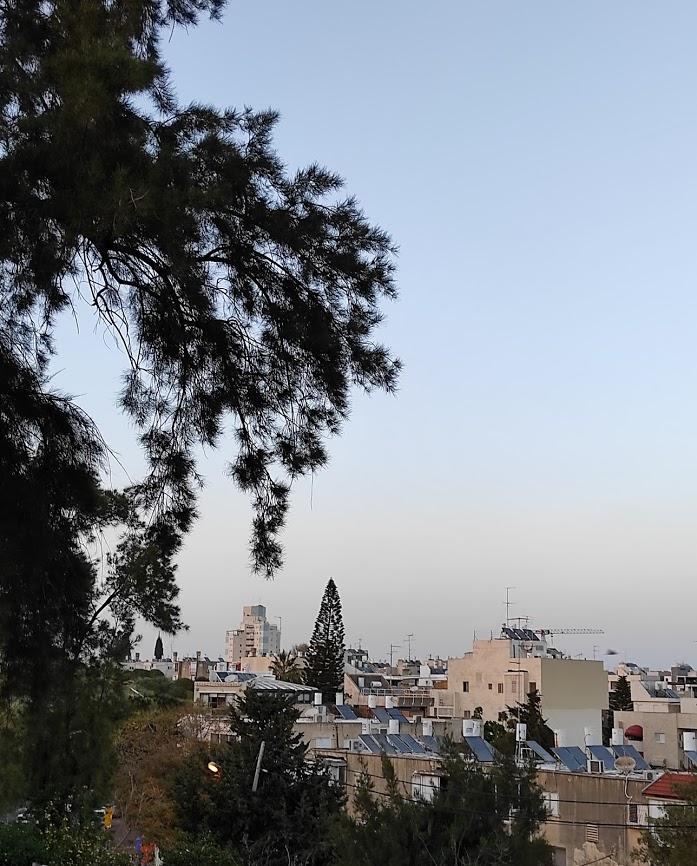 Вид на Гиватаим с холма