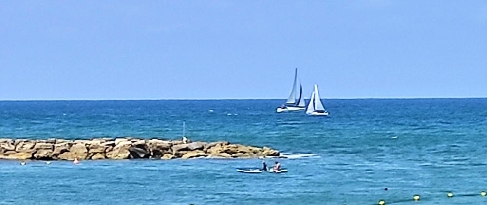 Синее, синее море